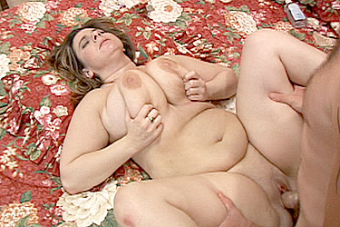 Mature BBW Takes Cock Stuffing in her Pussy
